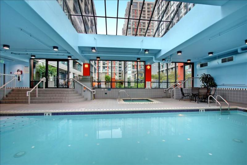 Stay Alfred Your Urban Vacation Headquarters HS203 - Image 1 - Seattle - rentals