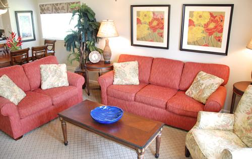 Plush Seating in Living Area - Huge 4BR @ North Tower 101, huge pool/Jacuzzi/WiFi - North Myrtle Beach - rentals
