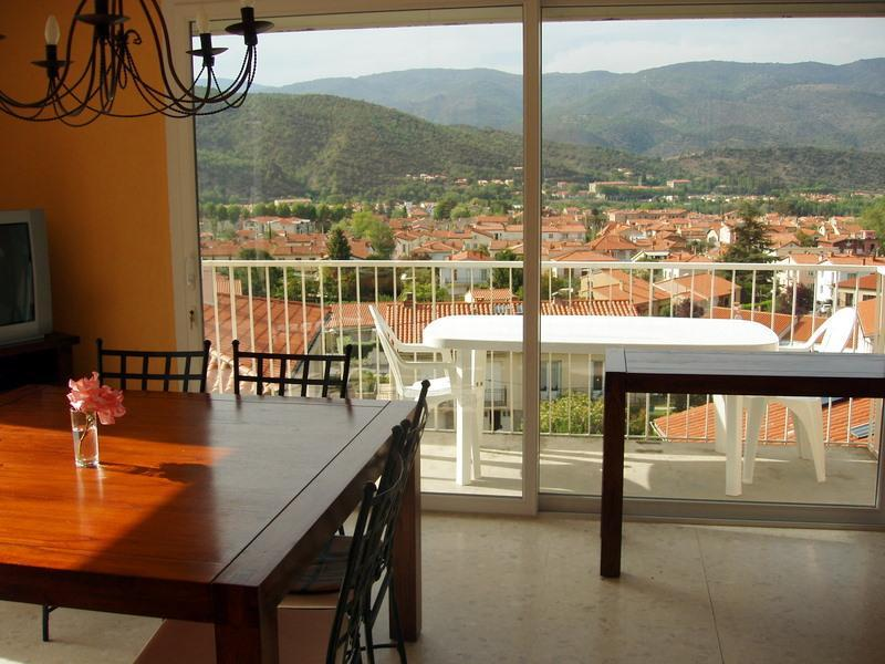 Dining-sitting room, view to the North - Bellevue Villa - Well-equipped House Close to Lake Train Shops Bars - Prades - rentals
