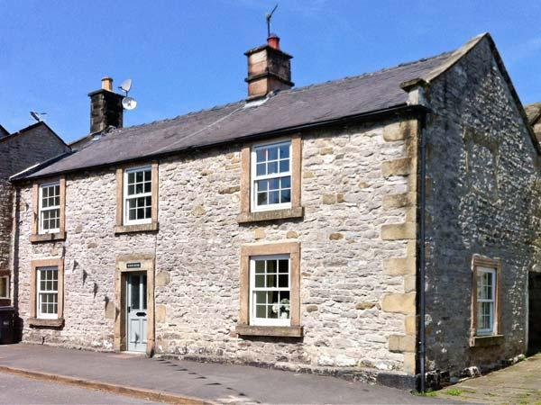 WHITE HOUSE, open fire, two woodburners, pet-friendly cottage, in Youlgreave, Ref. 22343 - Image 1 - Youlgreave - rentals