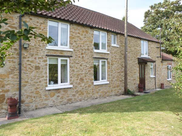 OLD POST OFFICE, detached, stone cottage, enclosed garden, walking and cycling in area, in Walesby, near Market Rasen, Ref 27543 - Image 1 - Market Rasen - rentals