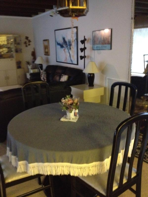 dInning room - Fully equipped  3/2 Beach House on Singer Island Available Now - Singer Island - rentals