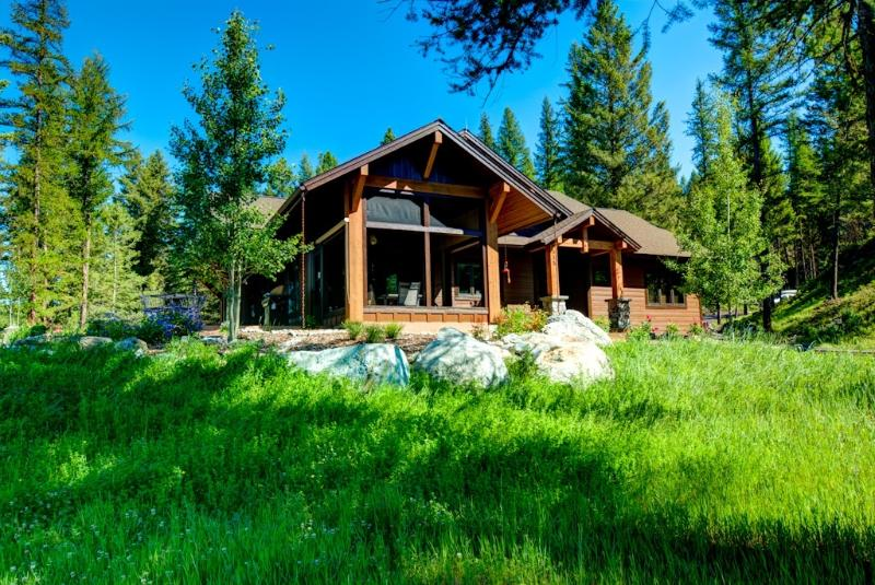 Great setting with trees, views,and privacy - Custom Home on 13 Private Acres Close To Whitefish - Whitefish - rentals