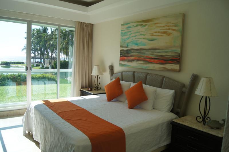 FIRTS BEDROOM amazing OCEAN VIEW - OCEAN FRONT APART.ACAPULCO, MAYAN ISLAND,TULUM 103 - Acapulco - rentals