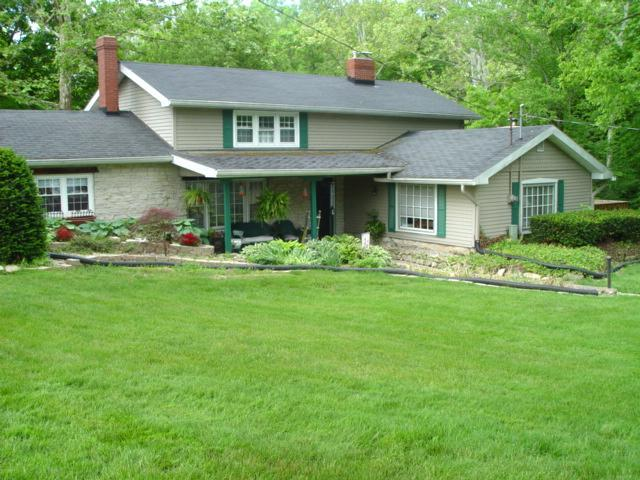 Vacation Cottage, charming house on creek. - Yountsville Mill Vacation Cottage. A bit of Heaven - Crawfordsville - rentals