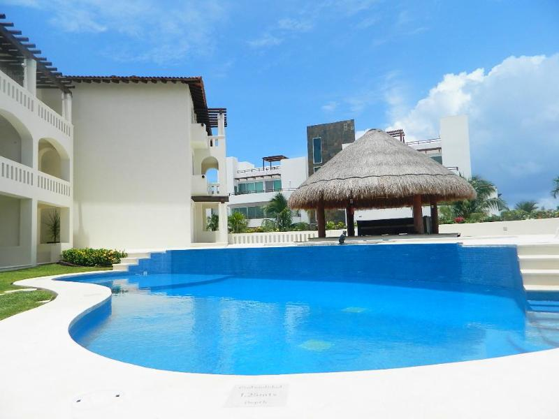 Close to the beach, 2 Bedroom - Image 1 - Playa del Carmen - rentals