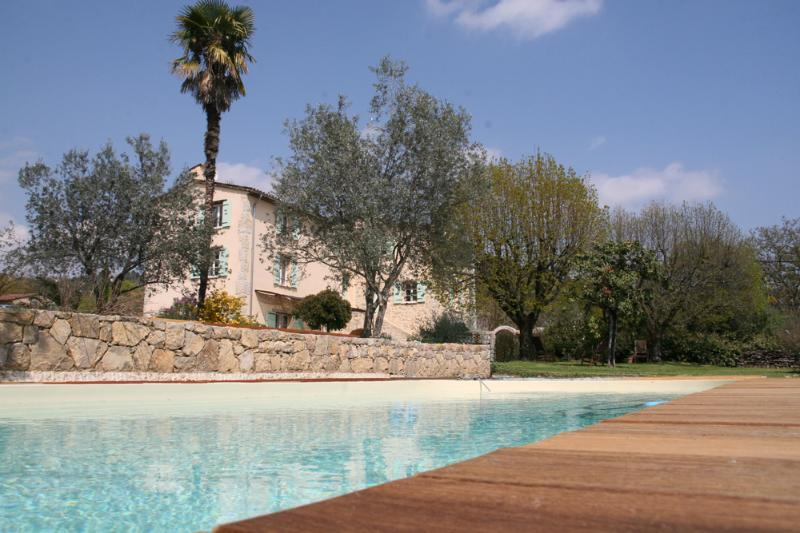 L'Escale Provençale - Bed and Breakfast in Provence with a Pool and Garden - Tourrette - rentals