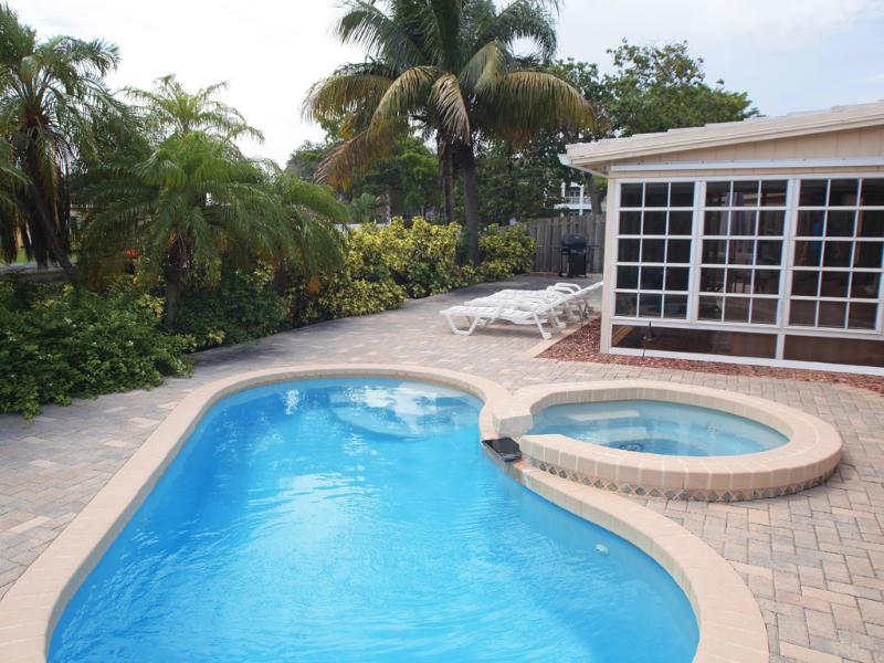 Swim in this heated pool. - Wilton-on-the-Water: Pool and Jacuzzi Tub. - Fort Lauderdale - rentals