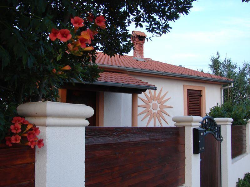 Holiday Home CASA SOLE - Image 1 - Pula - rentals