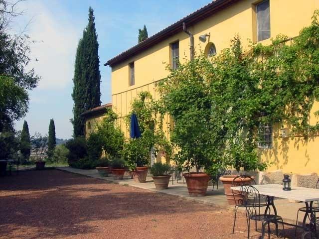 Villa Girasole holiday rental villa pisa tuscany  - Vacation villa to rent near Pisa - Image 1 - Lorenzana - rentals