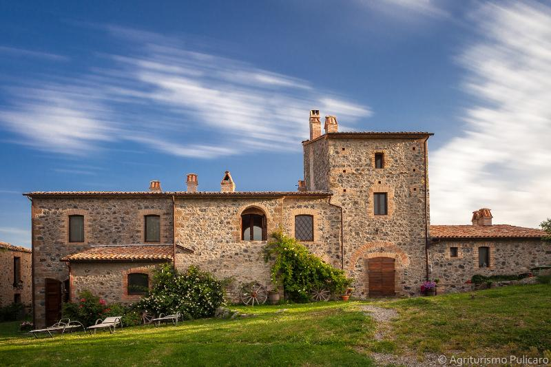 Pulicaro under the clouds! - Agriturismo Pulicaro - B&B on a farm in Tuscany - Acquapendente - rentals