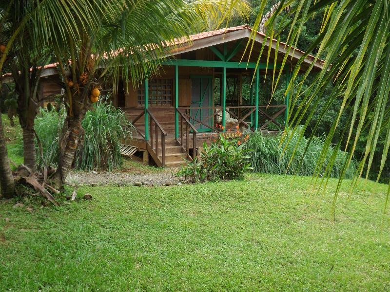 Cabina Lagunas, our largest cabin - Cabina Lagunas in the jungle 10 min from Dominical - Dominical - rentals