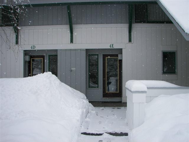 entrance - Village Green 9d - Stowe - rentals