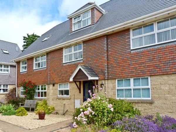 HOLIDAY COTTAGE, family friendly, with a garden in Yarmouth, Isle Of Wight, Ref 28198 - Image 1 - Isle of Wight - rentals