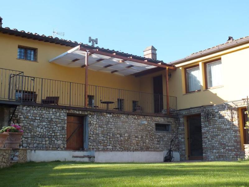 Villa bifamiliare con giardino, Chianti Fiorentino - Image 1 - Montespertoli - rentals
