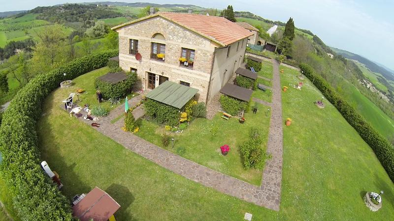 La Serra - Holiday Apartment in Converted Barn in Tuscany - Volterra - rentals