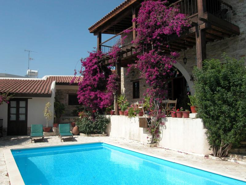 5 Bedroom House & Annex - THE NEST, 5 BEDROOM STONE-BUILT VILLA WITH POOL - Larnaca District - rentals
