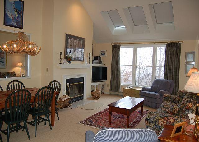 Living Room - Winterplace 3 Bedroom Plus Loft - Ludlow - rentals