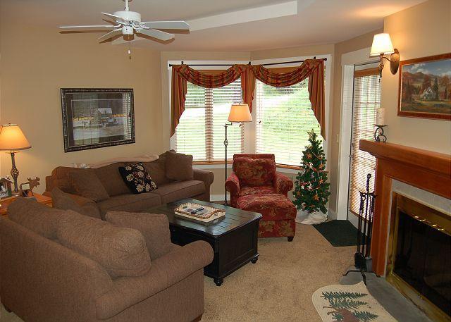 Living Room - Solitude Village 3 Bedroom Ski In/Out - Ludlow - rentals