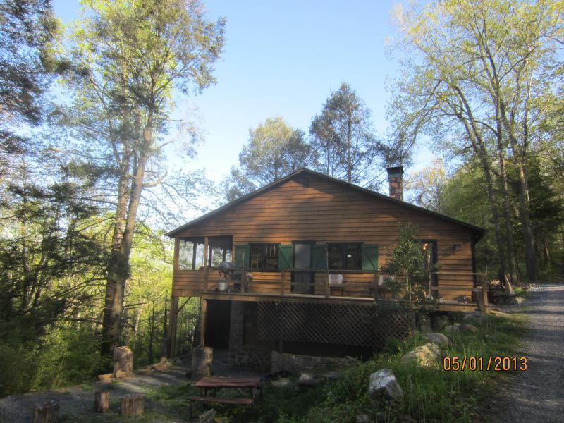 Front of Bear Ridge Cabin in Early Spring - Bear Ridge Cabin - Harrisonburg - rentals