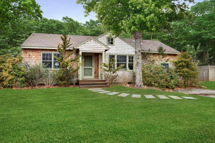 Front of the house - East Hampton Home 2 blocks from Beach - East Hampton - rentals