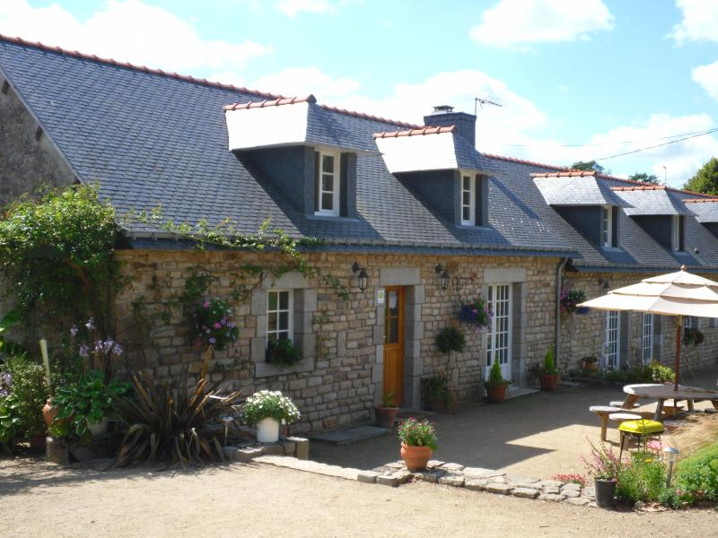 Ty Flowery Gite - Ty Flowery, a Breton cottage with a swimming pool. - Morbihan - rentals