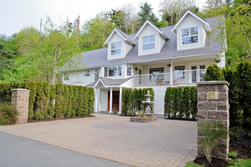 Kye Bay B&B House - Grand Suite at Kye Bay B&B - Comox - rentals