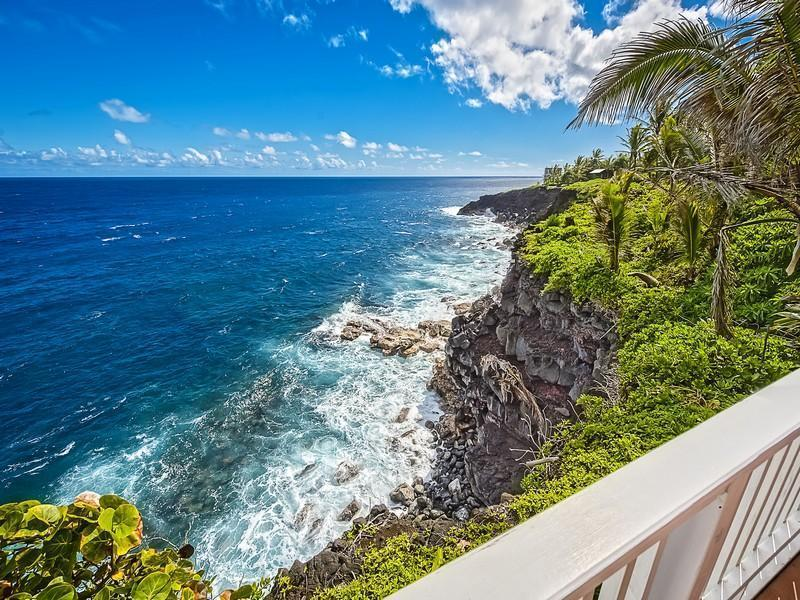 Oceanfront  Beach House  w/ Pool and Spa! - Image 1 - Pahoa - rentals