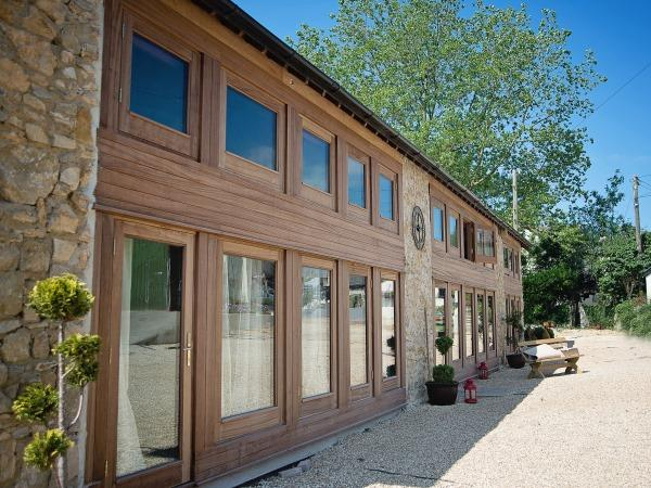 Exterior of The Wagon Shed - The Wagon Shed, 6 bedroom barn with Hot tub Devon - Kilmington - rentals