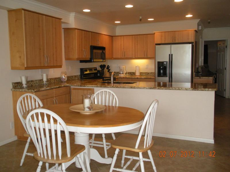 Dining Area - Ocean Point - Pacific Beach - rentals