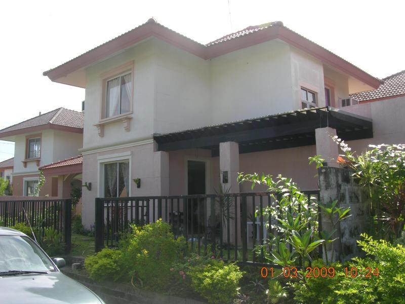 side view - 3 Bedroom House,Sta rosa est 2, Laguna, - Santa Rosa - rentals