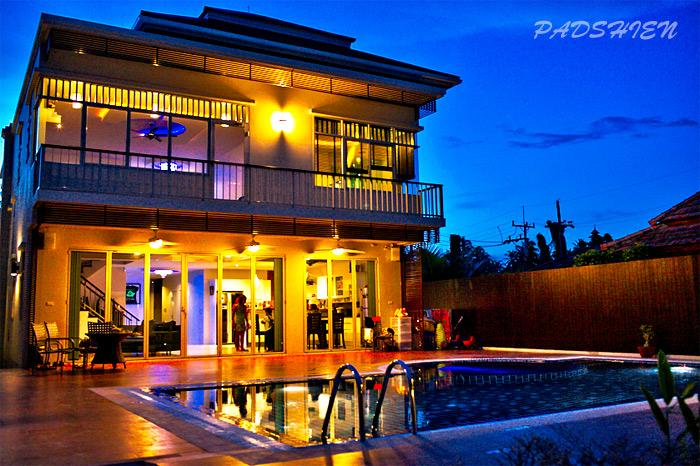 Swimming pool area in the night time - Modern Villa Sauna, Pool, Chalong Marina view - Phuket - rentals