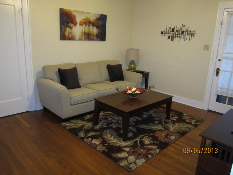 Cozy Living Room - Charming 1 BR Apartment in Historic Monte Vista - San Antonio - rentals