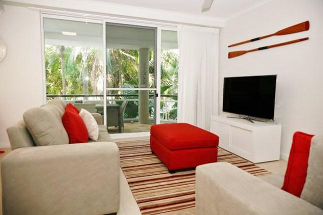 Living Room - Amazing 3 bedroom apartment on Hastings Street, Noosa Heads - Noosa - rentals