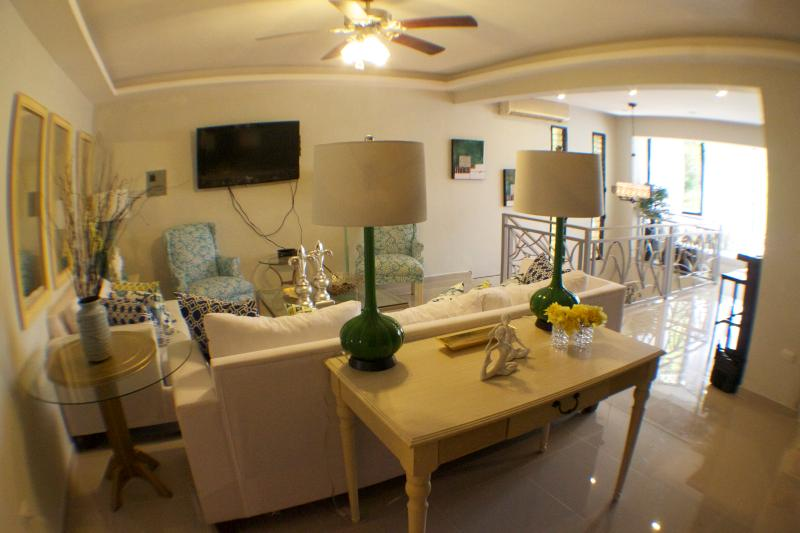 Confortable main living room, decorated in chic resort style - Fabulous Apartment Up To 60%off ••Summer Sale - Sosua - rentals