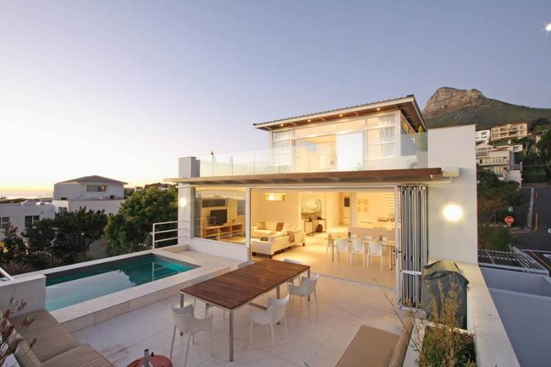 Casa Bianca - luxury villa by the beach - Image 1 - Cape Town - rentals