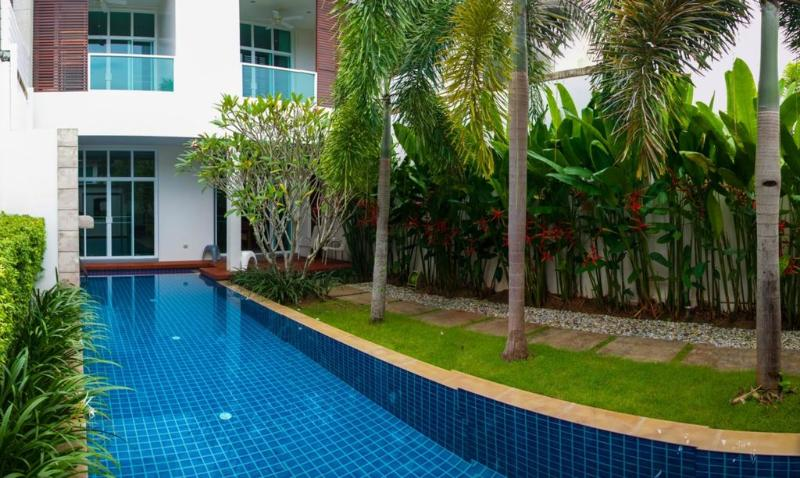 Modern 3 Bedroom Townhouse with pool in Bangtao - Image 1 - Phuket - rentals