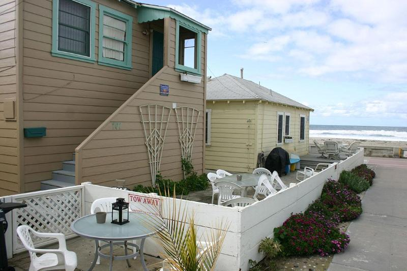Beachy Comfy Ocean View Cottage - Image 1 - Pacific Beach - rentals