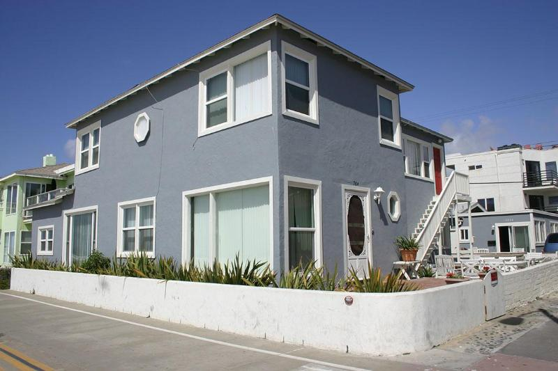 Fabulous Ocean Front Home - Image 1 - Pacific Beach - rentals