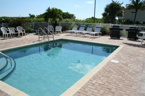 Pool 1 - ANNA MARIA BEACH PLACE 3 - Holmes Beach - rentals