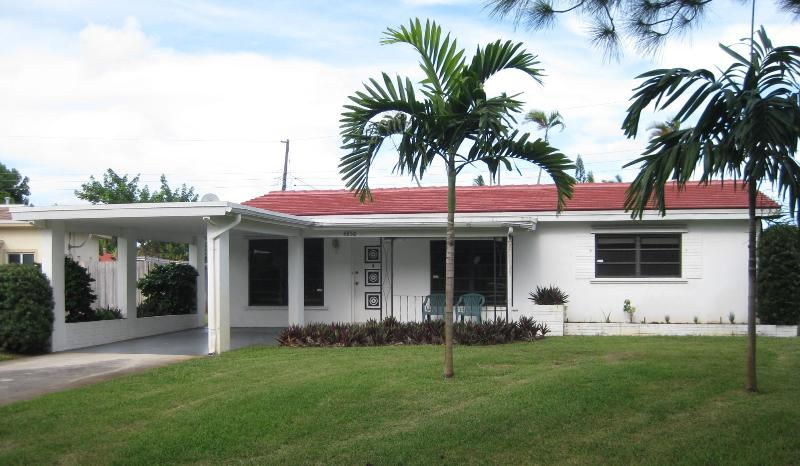 Front of House - Fort Lauderdale - Charming House Near Beach - Fort Lauderdale - rentals