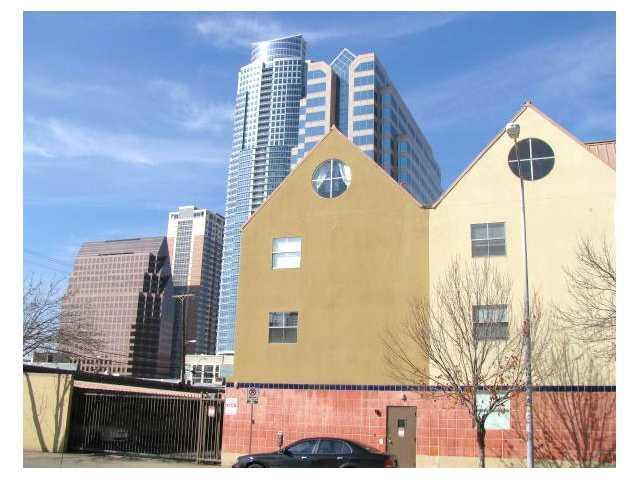 Exterior - 3/2 Condo  |  Sleeps 10  |  Middle of DT Austin! - Austin - rentals