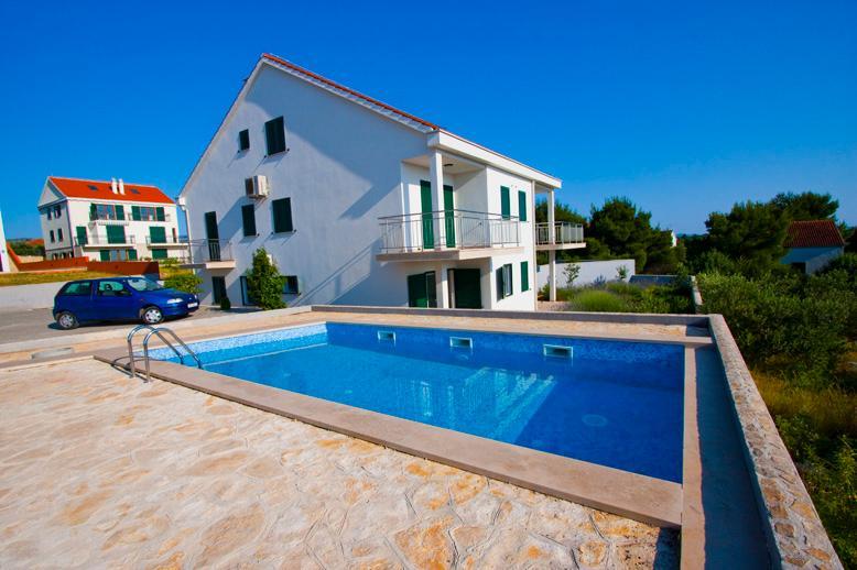 Apartment Yvonne - Image 1 - Cove Makarac (Milna) - rentals