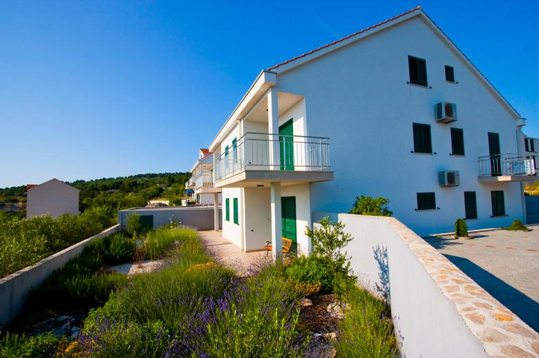 Apartment Naoimi - Image 1 - Cove Makarac (Milna) - rentals