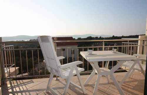 Apartment Declan - Image 1 - Cove Makarac (Milna) - rentals