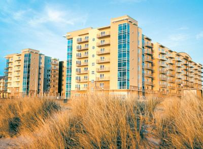 8 story towers with pool in center, right on the beach. - Worldmark Oceanfront Resort at Seaside 2 bd units - Seaside - rentals