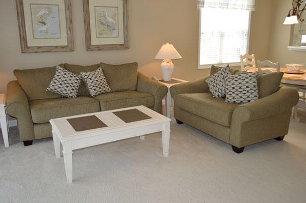 Comfortable living area - Modern 2BR golf villa near beach, WiFi/pools/more! - North Myrtle Beach - rentals