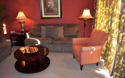 Living area - Gorgeous Yacht Club 1-101 3BR near beach/huge pool - North Myrtle Beach - rentals