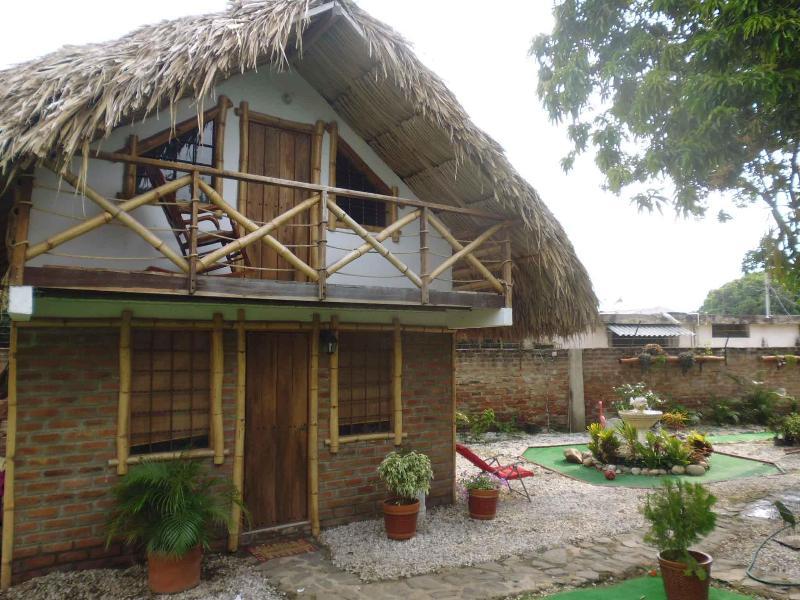 Beautiful traditional style cabin in Santa Marta - Image 1 - Santa Marta - rentals