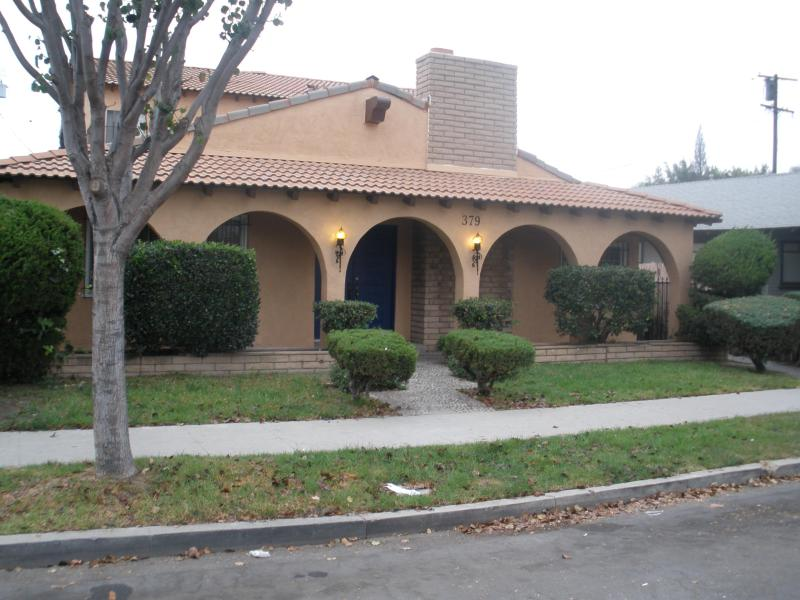 Street view - Long Beach owner's unit.  6 blocks to beach. All just totally redone..new everything - Long Beach - rentals